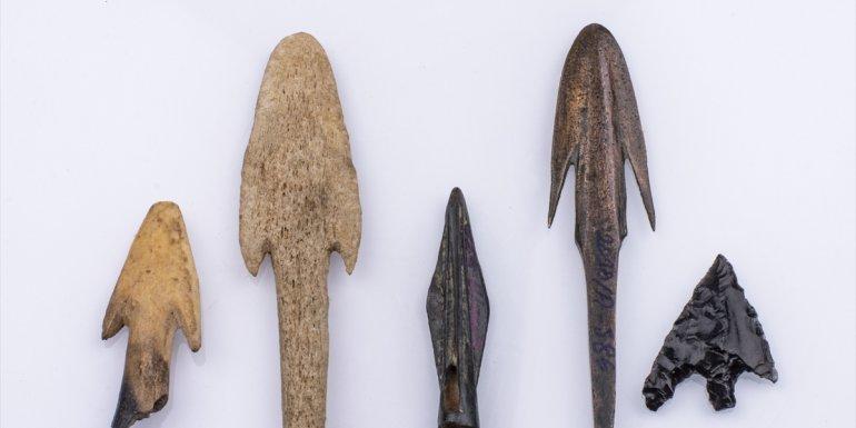 TUNCELİ - Pulur Sakyol Höyüğü'nde bulunan ok uçları 5 bin yıllık tarihe ışık tutuyor1