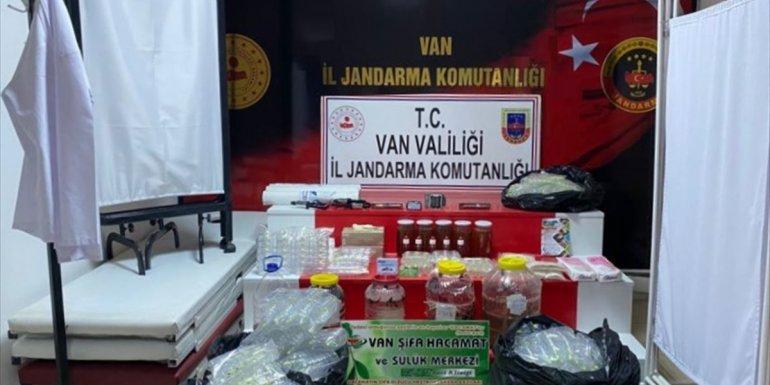 Van'da kendisini doktor olarak tanıtıp hasta muayene eden kişi gözaltına alındı
