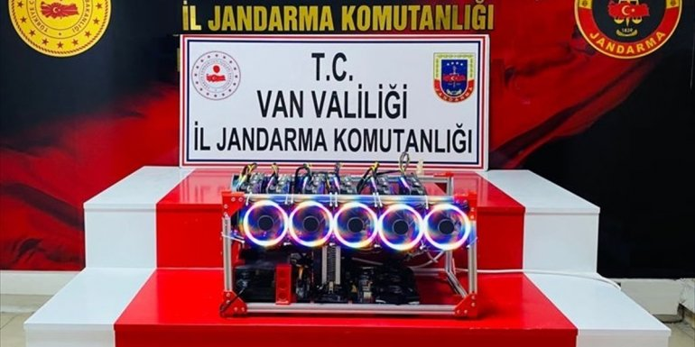 Van'da kripto para üretim cihazı ele geçirildi