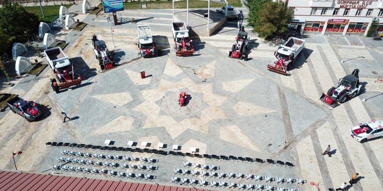 Van'ın Gürpınar Belediyesi filosuna 11 araç ekledi