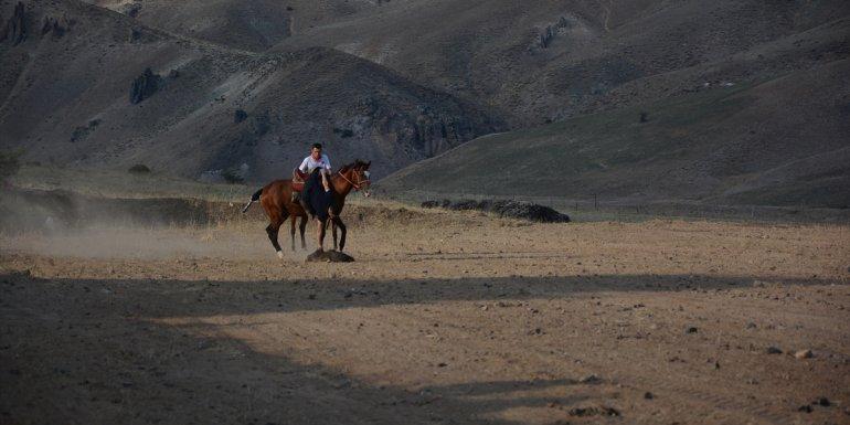 Van'daki Kırgız Türkleri 5 bin yıllık 'kökbörü' sporunu yaşatmaya çalışıyor