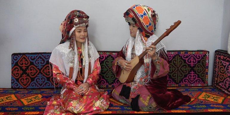 Van'da Kırgız Türklerinin düzenlediği 'kültür şenliği' renkli görüntülere sahne oldu