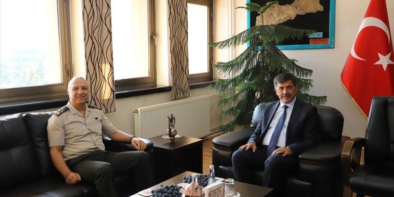 3. Ordu Komutanı Korgeneral Türkgenci, Erzincan Belediye Başkanı Aksun'u ziyaret etti