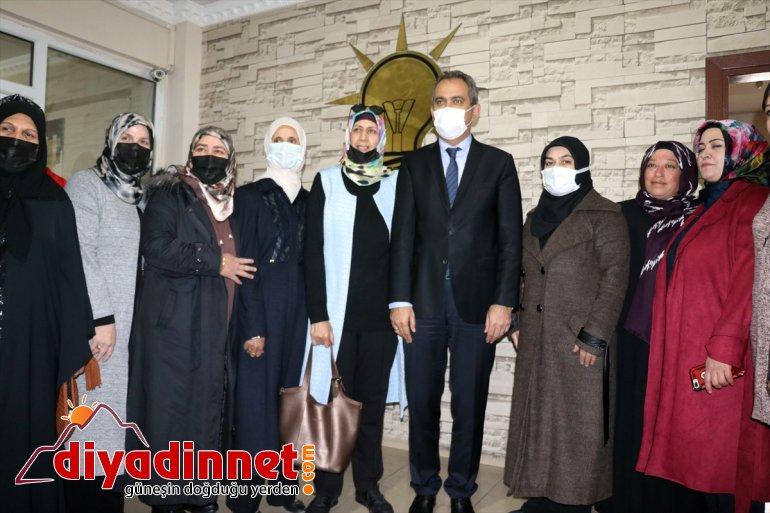 AĞRI Bakanı Mahmut öğrencilerle Milli Özer, Eğitim - buluştu 3