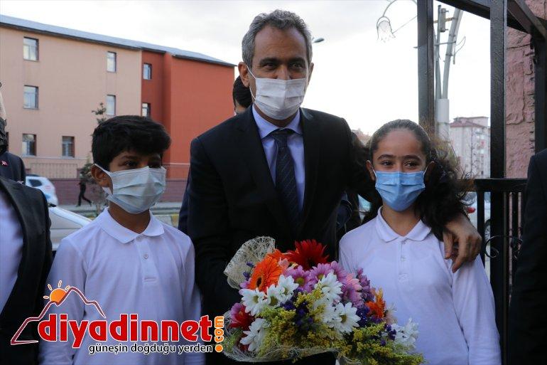 Bakanı AĞRI Milli buluştu - Eğitim Özer, öğrencilerle Mahmut 4