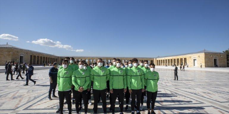 Alagöz Holding Iğdır Futbol Kulübü'nden Anıtkabir'e ziyaret