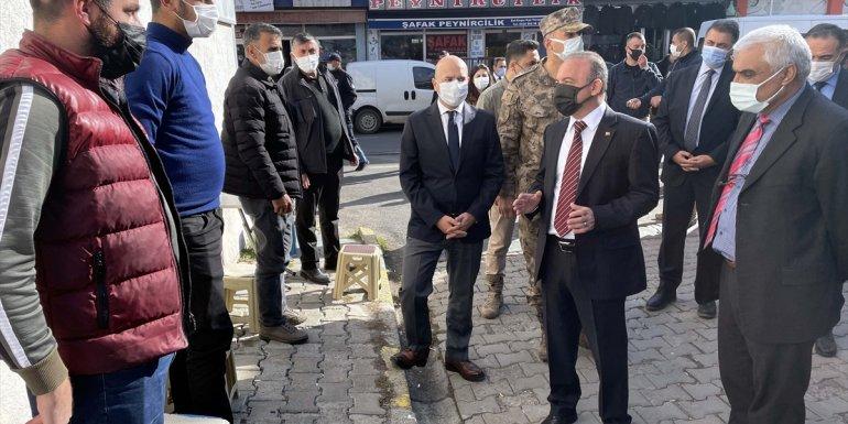 Ardahan Valisi Öner, kentteki Kovid-19 tedbirlerini denetledi