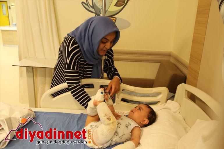 kaynar Ağrı'da - dolu su bebek ERZURUM devrilen çaydanlık üzerine yaralandı 4