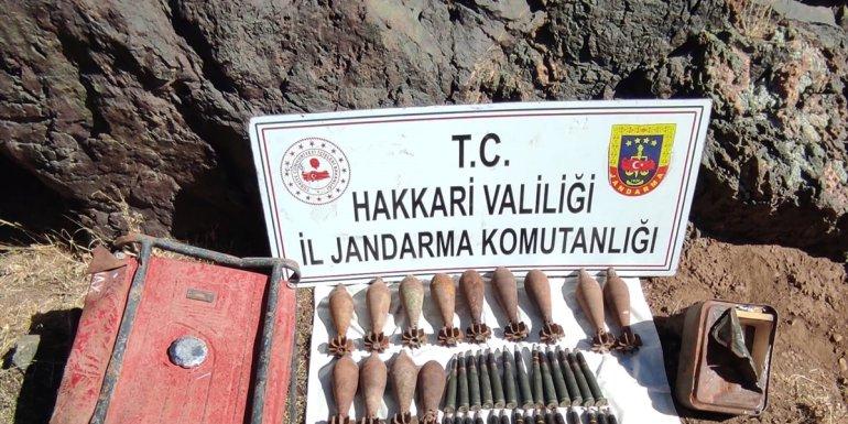 Hakkari'de kayalık alana gizlenmiş mühimmat ele geçirildi