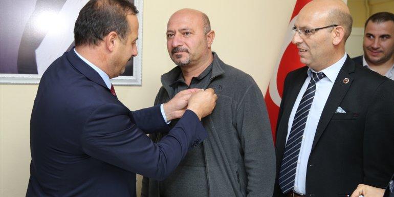 İYİ Parti Genel Başkan Yardımcısı Ağıralioğlu Oltu esnafını ziyaret etti