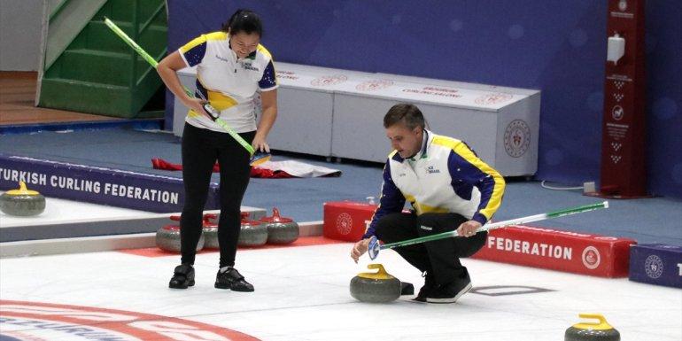 Milli curlingciler, 2022 Kış Olimpiyat Oyunları ön eleme müsabakaları hazırlıklarını tamamladı