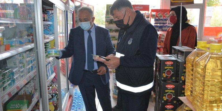 Tuşba'da zabıta ekipleri iş yerinde fiyat denetimi yaptı1