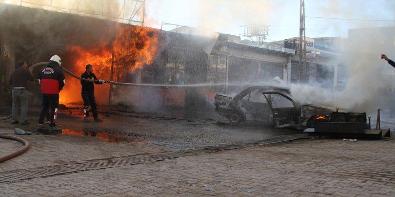 Van'da alev alan otomobildeki yangının sıçradığı 3 iş yeri hasar gördü