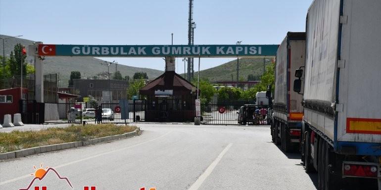Bakan Pekcan'ın duyurusuyla yeniden açılan Gürbulak Sınır Kapısı'nda hareketlilik