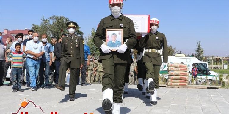 Irak'ın kuzeyinde şehit olan Teğmen Harun Aslan memleketi Ağrı'da defnedildi